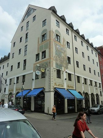 Platzl Hotel: Platzl exterior
