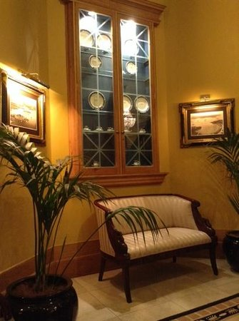 Castlereagh Boutique Hotel: lobby 2