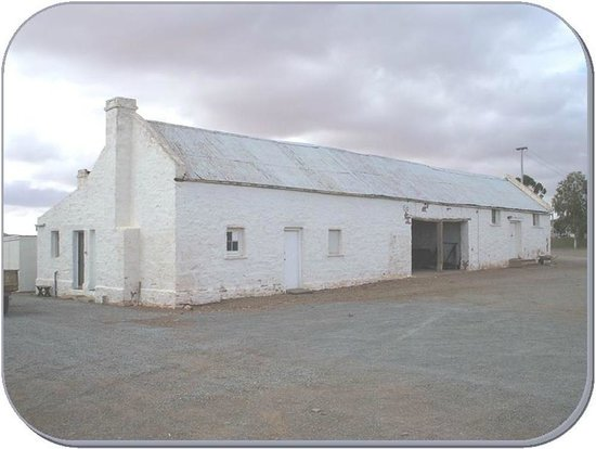singlemans Quarters and out building