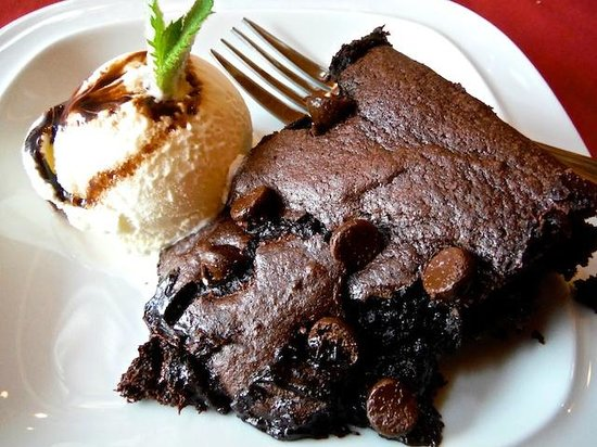 Trailhead Resort: Sinful lava cake and ice cream