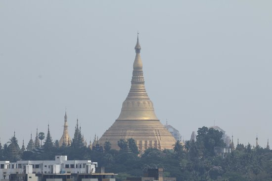 Myanmar Panda Hotel : View of Pagoda from Hotel top
