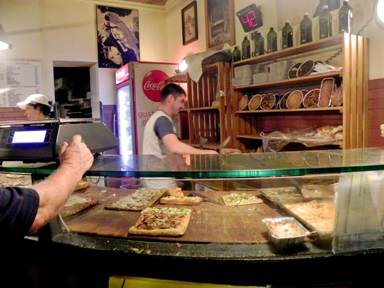 Rome by Segway : A stop at a local Pizzeria! Delish Pizza!