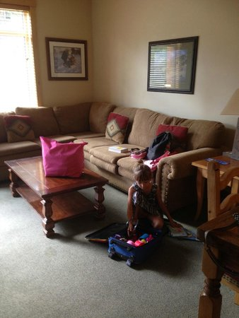 Juniper Springs Resort: Living Room.  Sofa Bed