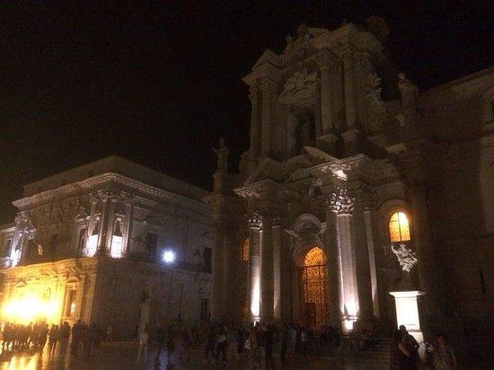 Duomo di Siracusa: Duomo by Night