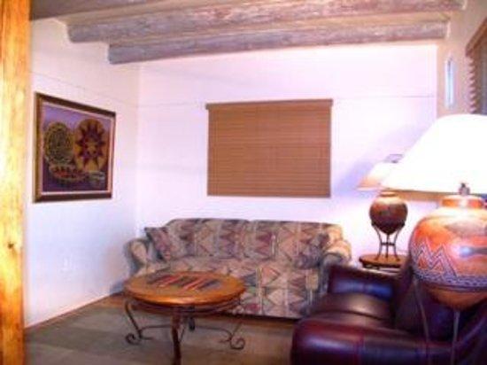 Casas de Suenos Old Town Historic Inn: Suenos Living Room