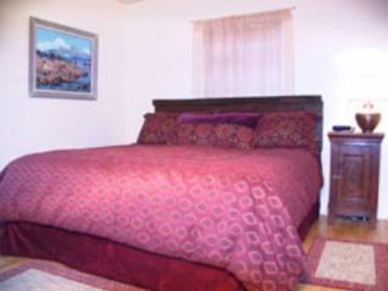 Casas de Suenos Old Town Historic Inn: Pinon Bedroom
