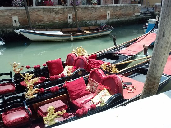"Hotel Moresco : Travel ""Venice Style"""