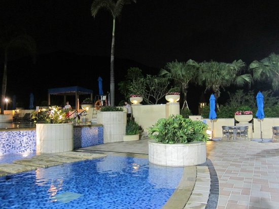 Auberge Discovery Bay Hong Kong: pool area