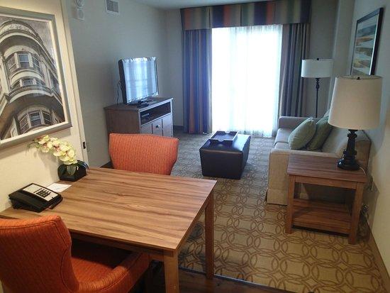 Homewood Suites by Hilton Atlanta Midtown : Living room