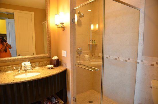 Sandpearl Resort: Walk In Shower