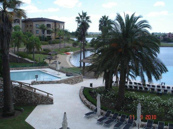 Sofitel La Reserva Cardales: vista piscina externa