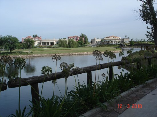 Sofitel La Reserva Cardales: laguna