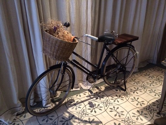 The Scent Hotel : Nice vintage bicycle