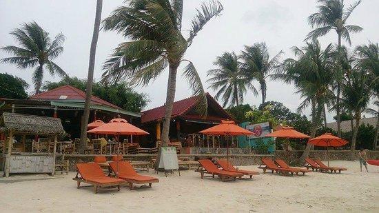 Secret Garden Beach Resort: Hotel & grounds