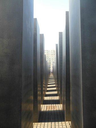Holocaust-Mahnmal (Denkmal für die ermordeten Juden Europas): Le Stele