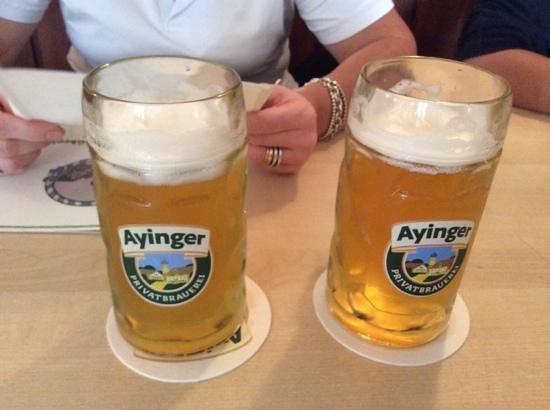 Ayinger Bräustüberl: la keller