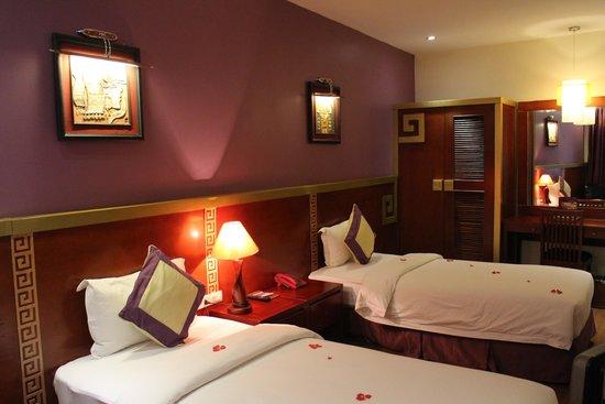 The Light Hotel Hanoi: Deluxe Twin Room