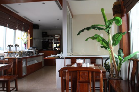 Aranya Hotel: Restaurant