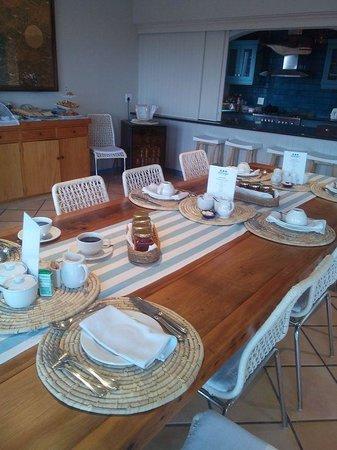 Abalone Guest Lodge: Breakfast