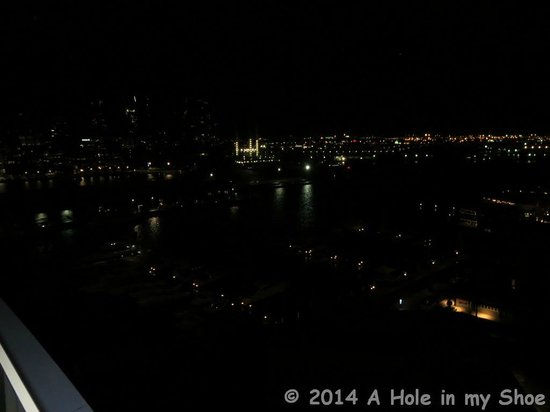 The Sebel Residences Melbourne Docklands : View at night