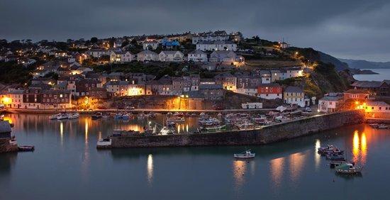 The Little Cornish B&B: Mevagissey at dusk