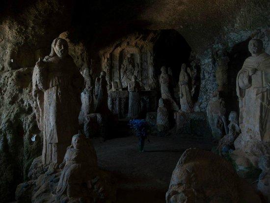 Piedigrotta Church: The cave/church
