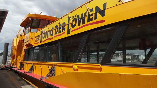 Der Koenig der Loewen (The Lion King): Shuttle-Boot zu den Landungsbrücken