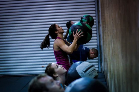 The Training Box and CrossFit Estero : Wall balls