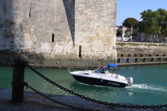 Tours de La Rochelle : Пролив между башен