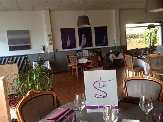 Hotel Restaurant Le Petit Trianon : restaurant