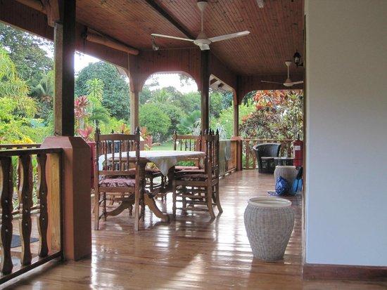 Casa De Leela: Large veranda