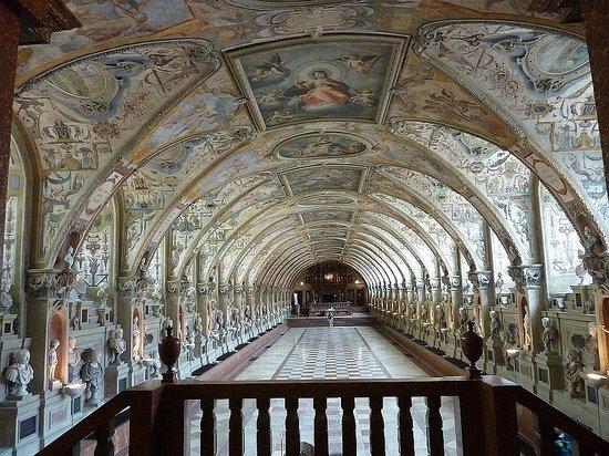 Munich Residence : The Antiquarium.