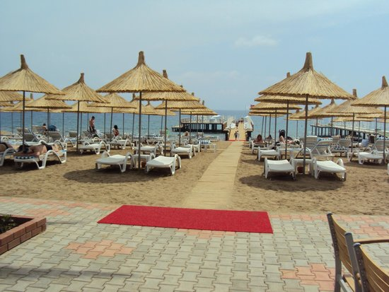 Quattro Beach Spa & Resort: пляж