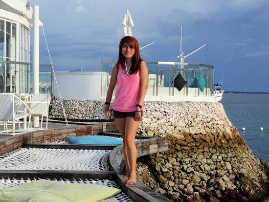 Movenpick Hotel Mactan Island Cebu: The barbecue station/bar at the tip of the marina.