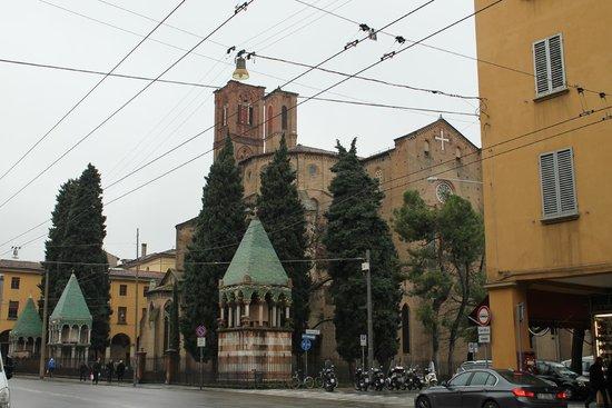 Basilica San Francesco: Tombe dei Glossatori-Basilica S.Francesco (BO)