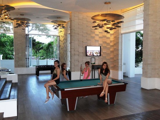 Movenpick Hotel Mactan Island Cebu: The games room.