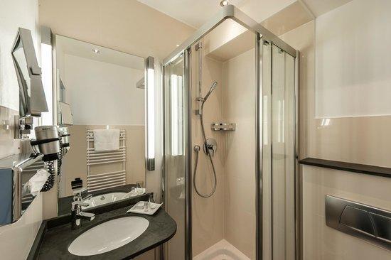 Weinhaus Sinz: Bad mit Dusche