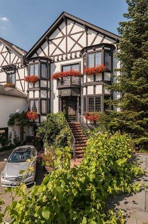 Weinhaus Sinz: Zugang für Hotelgäste im Stammhaus