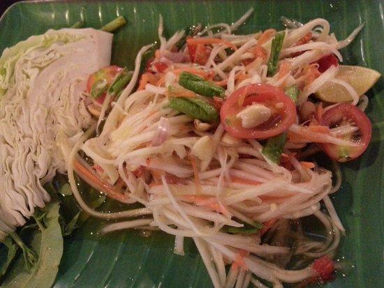 Krua Thara: Papaya Salad