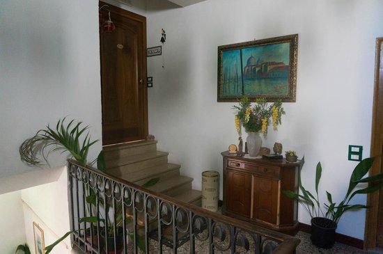 Ca' Riccio: Вход на этаже