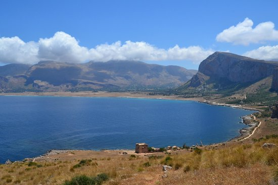 Riserva Naturale Orientata Monte Cofano : Vista dalle pendici del Monte Cofano