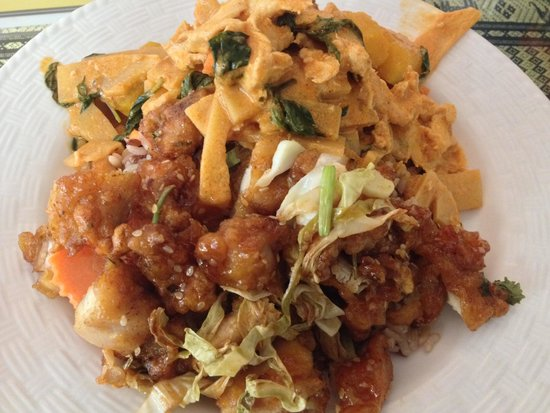 Sombat's Fresh Thai Cuisine: From the hot line