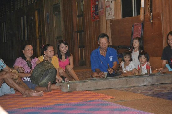Batang Ai National Park : Cultural show in the night