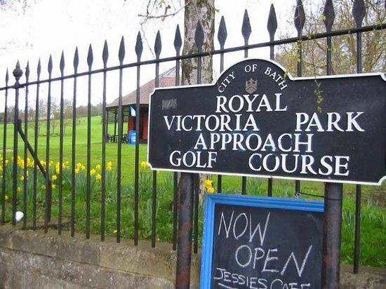 Royal Victoria Park: アプローチ ゴルフコース