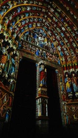 Hotel Marotte: Amiens Cathedral Illuminated