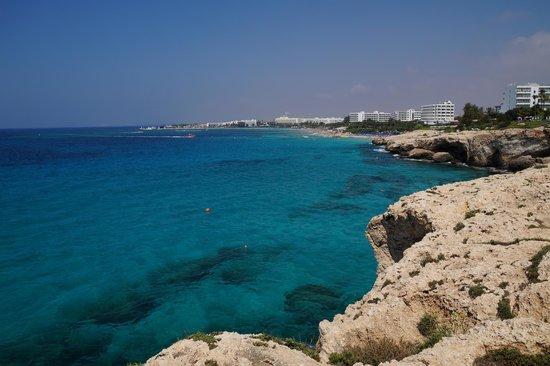 Glyki Nero Beach: побережье