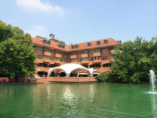 NH Milano 2: Вид на отель