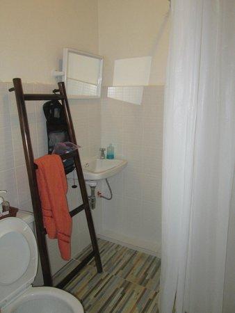 UDEE Cozy Bed & Breakfast: bathroom