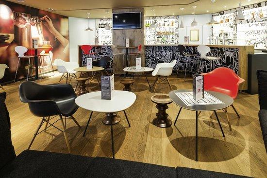 Ibis Brussels City Centre Hotel : Hotel Bar