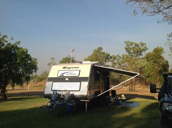 Kakadu Lodge and Caravan Park: Plenty room for large vans
